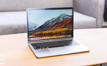 ANAC proíbe transporte de MacBook Pro em voos domésticos